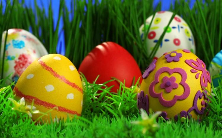 pintando-huevos-pascua