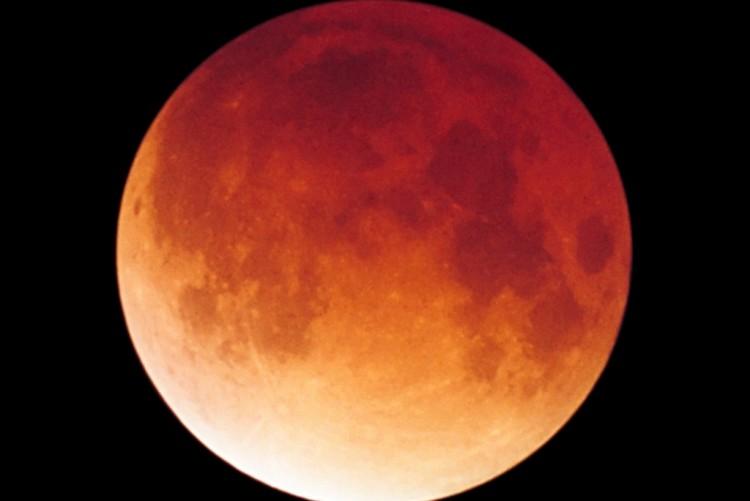 Luna-de-sangre-Por-que-la-luna-se-ve-roja-2