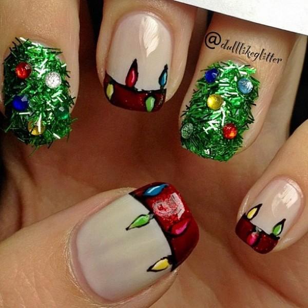 Christmas-tree-nail-art-2