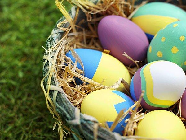 18329-4-nido-con-huevos-de-pascua-tarjeta-virtual-para-los-ninos