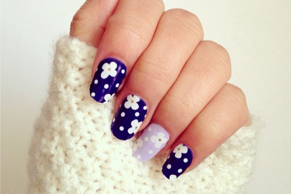 Midnight-spring-floral-nails