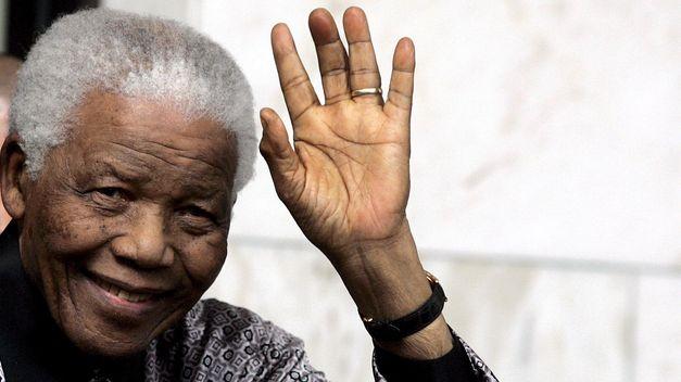 lamenta-muerte-hombre-derroto-apartheid_TINIMA20131206_0100_18